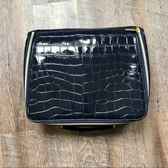 Estee Lauder Handbags - Estée Lauder large makeup bag